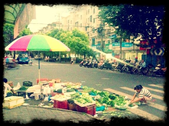 Selling vegetables, Sanmen Road, Hongkou